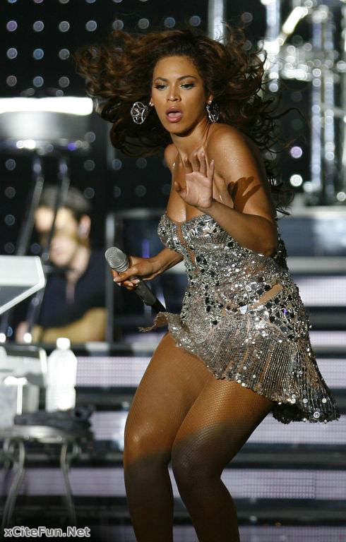 Beyonce Knowles Stunned Mumbai's Crowd (Naughty Girl ...