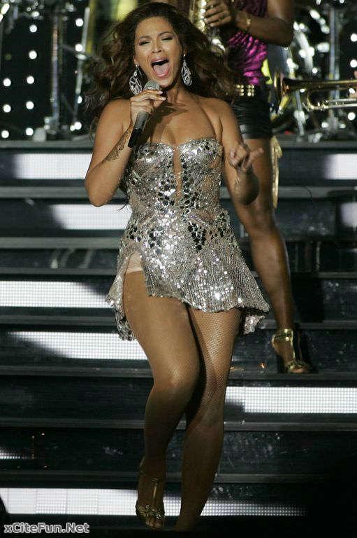 Beyonce Knowles Stunned Mumbai S Crowd Naughty Girl