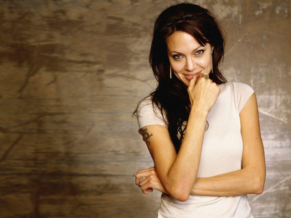 Anjelina Jolie Hot And Sexy 01 - Xcitefunnet-7243