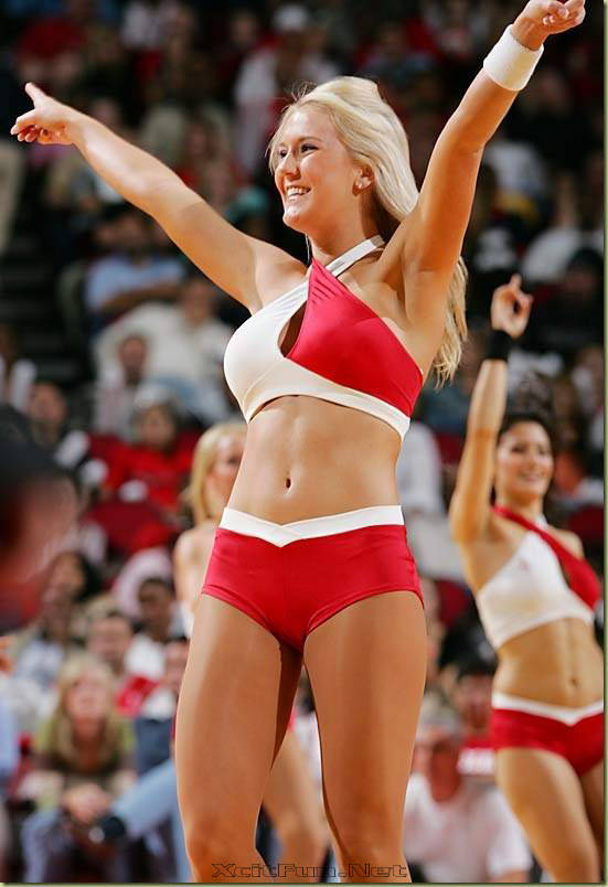Hot Cheerleader For UEFA European Football Championship 2008
