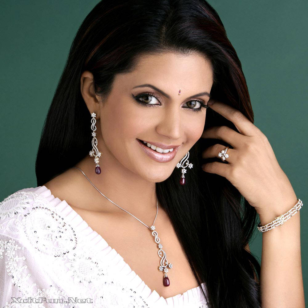 6290xcitefun mandira bedi 2 - Women Fashion World