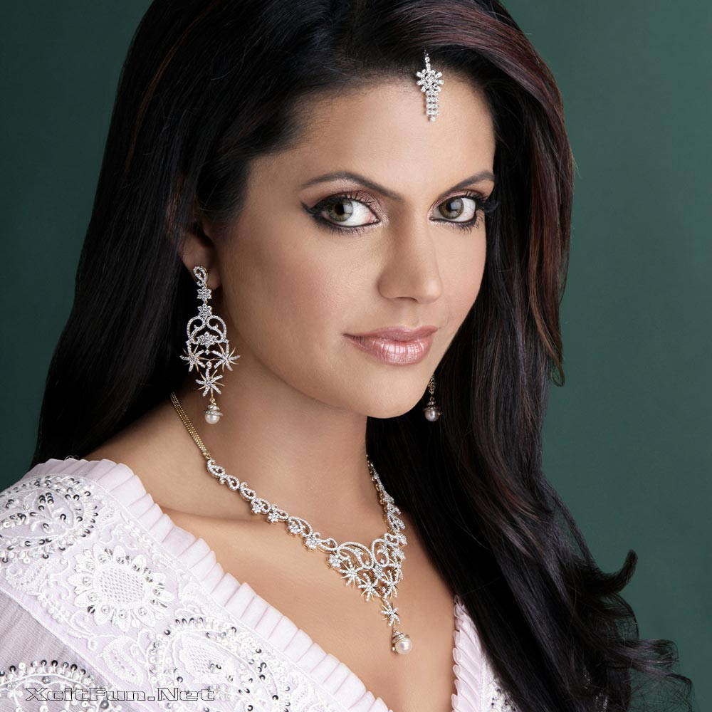 6291xcitefun mandira bedi 1 - Women Fashion World