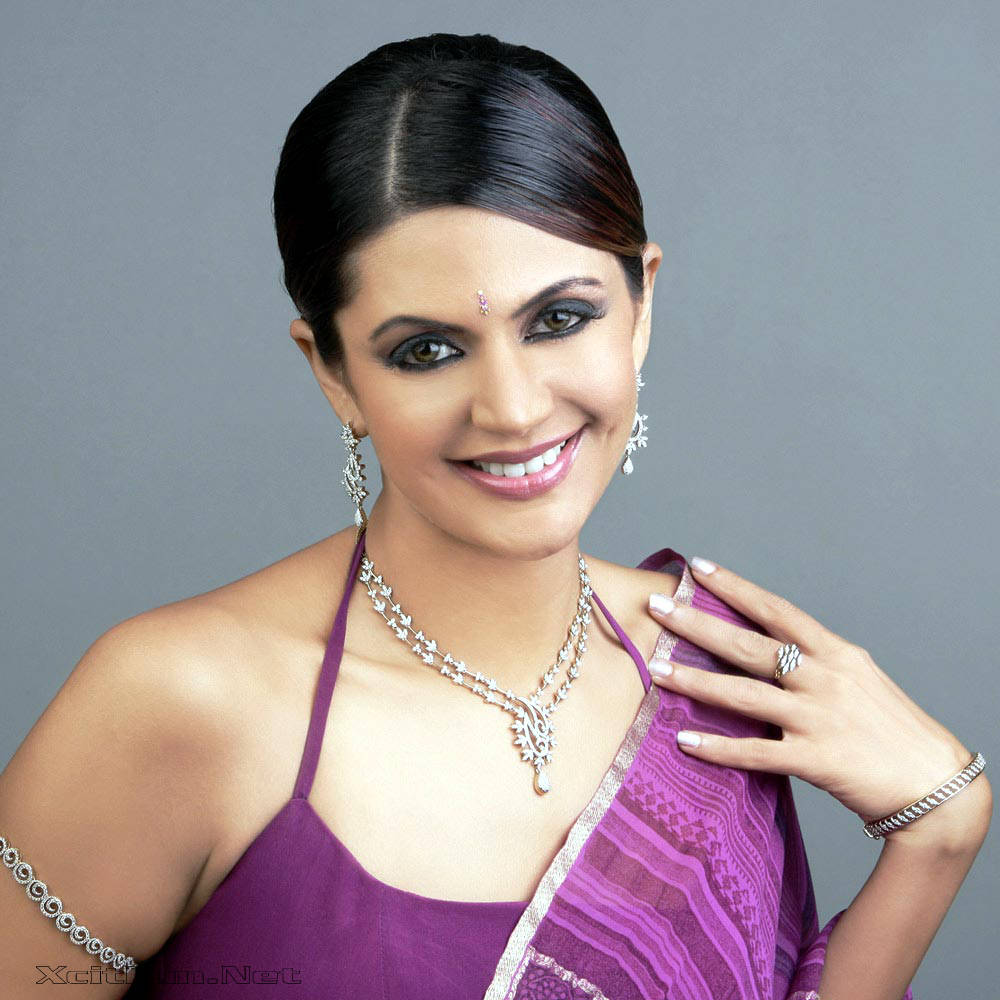 6297xcitefun mandira bedi 5 - Women Fashion World