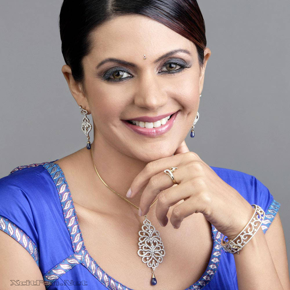 6304xcitefun mandira bedi 8 - Women Fashion World