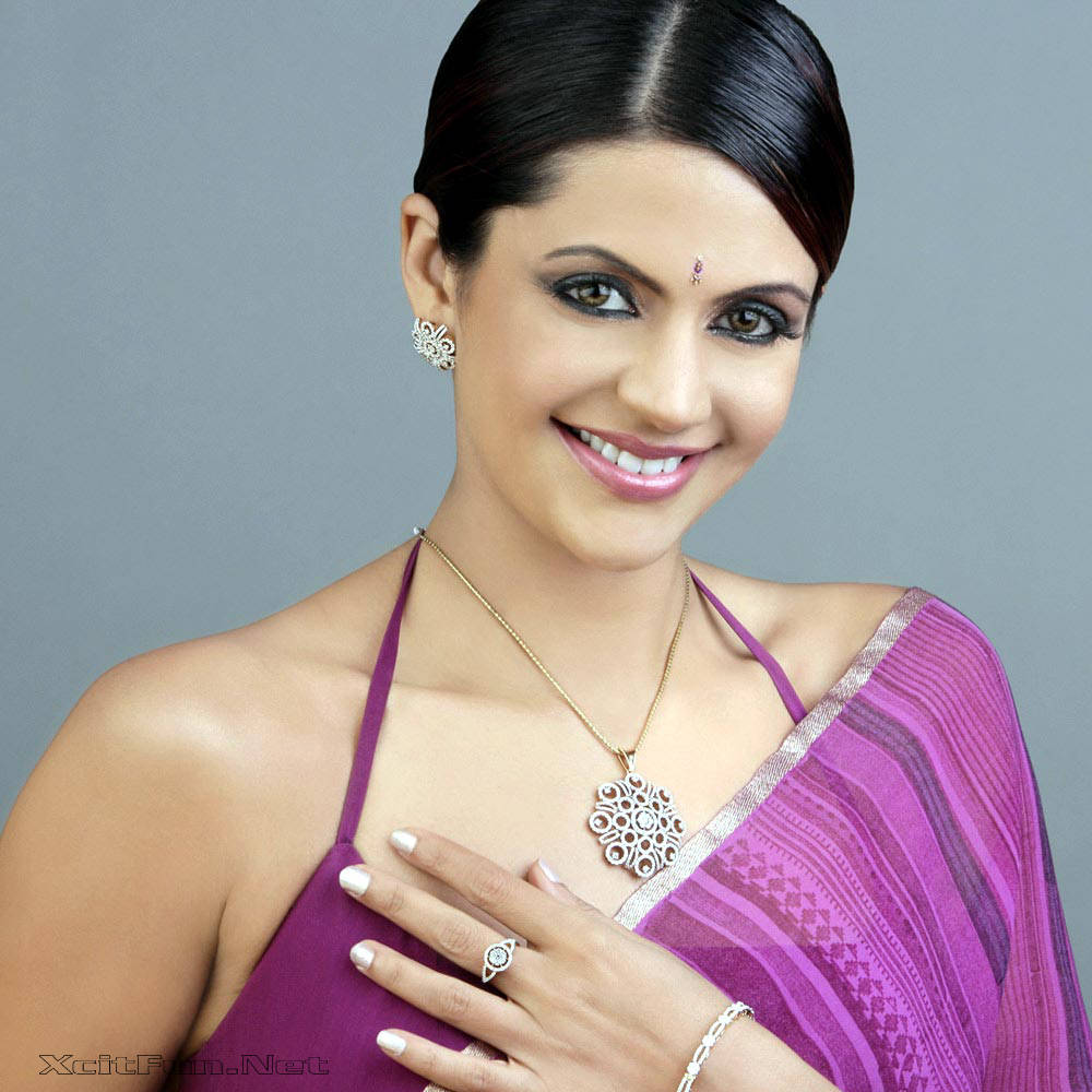 6306xcitefun mandira bedi 6 - Women Fashion World