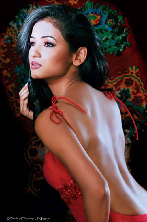 Sonal Chauhan A Complete Beauty Package for BollyWood