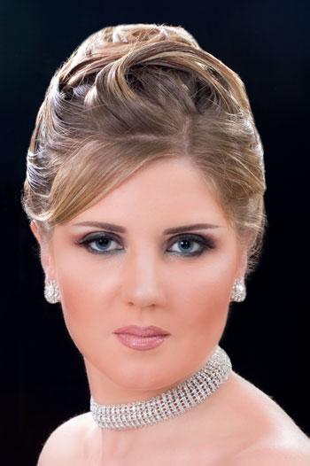 مدل های شینیون و آرایش موhttp://www.sardarcsp.com