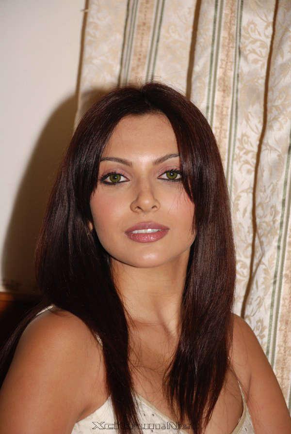 Sexy chubby Delhi girl - Desi new pics hd / sd - DropMMS