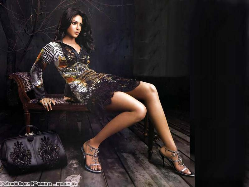 Hot Bollywood Bimbo Shape Up Thier Sexy Legs For Fame - XciteFun.net