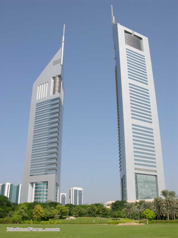 Top 10 tallest buildings in dubai for Biggest hotel in dubai