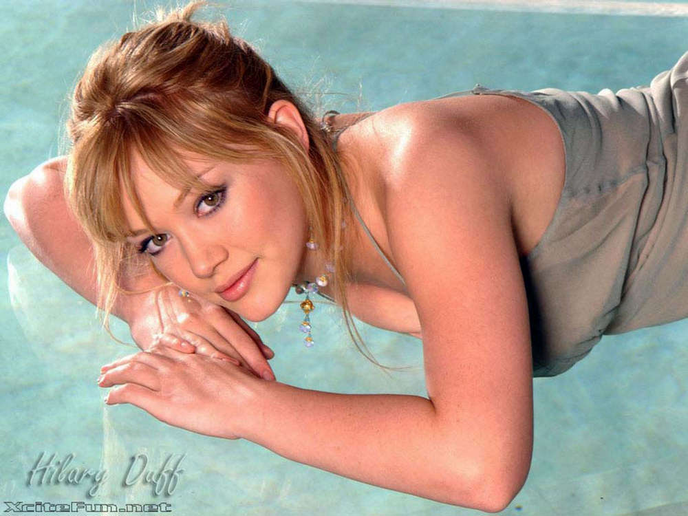 Hilary Duff: Squeaky-Clean Mall Princess - Wallpapers ... Hilary Duff Metamorphosis