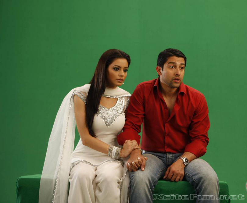 Aloo Chaat Aftab and Aamna  Cool Movie Wallpapers