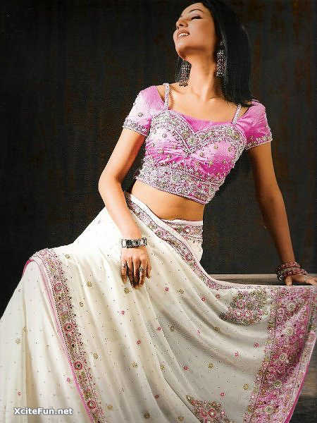 Sonal Chauhan Indian Way of Dressing Sparkling Photo Shoot