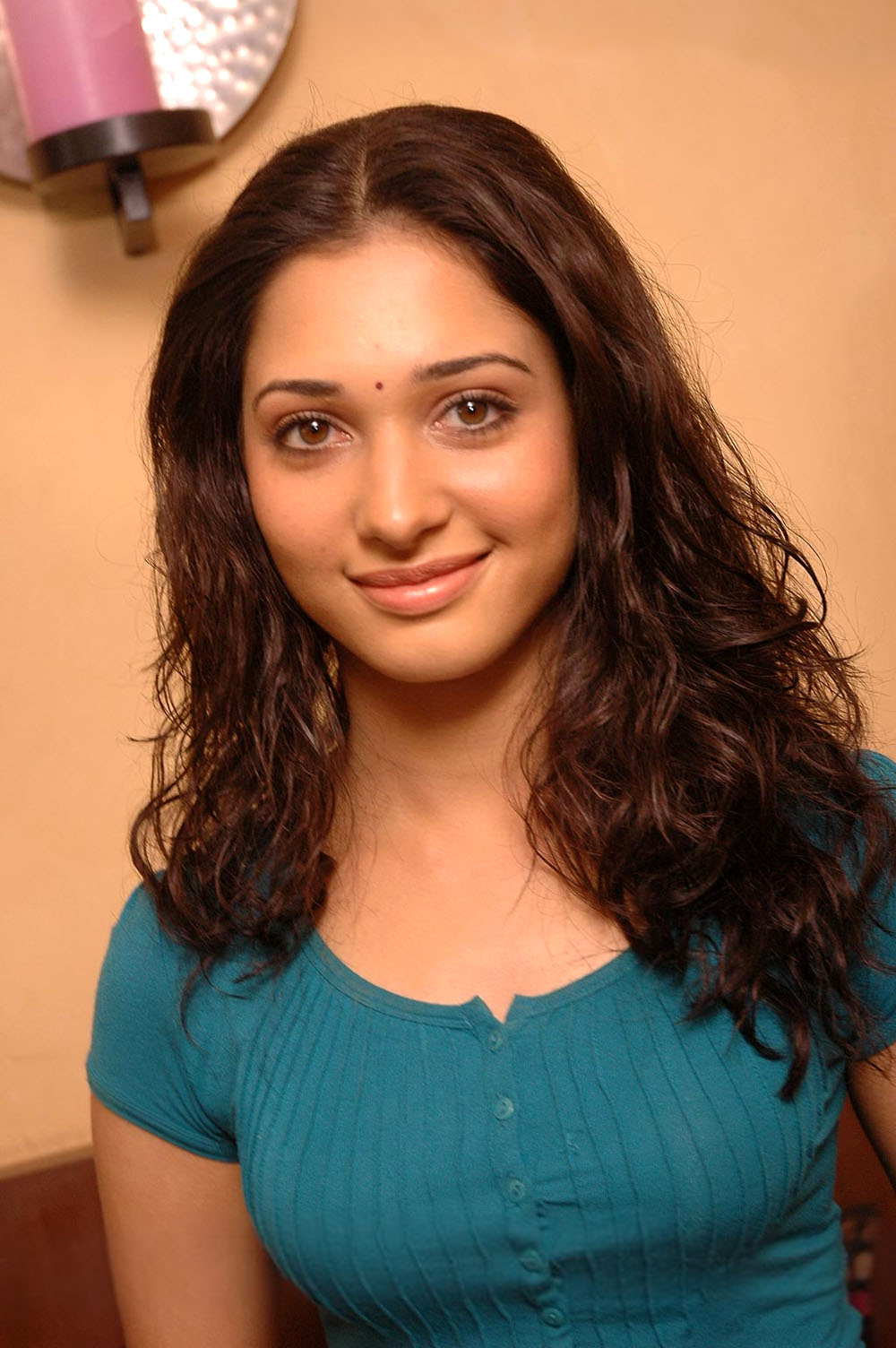 Tamanna Bangalore: The Cute, Charming And D Gorgeous Diva In Town
