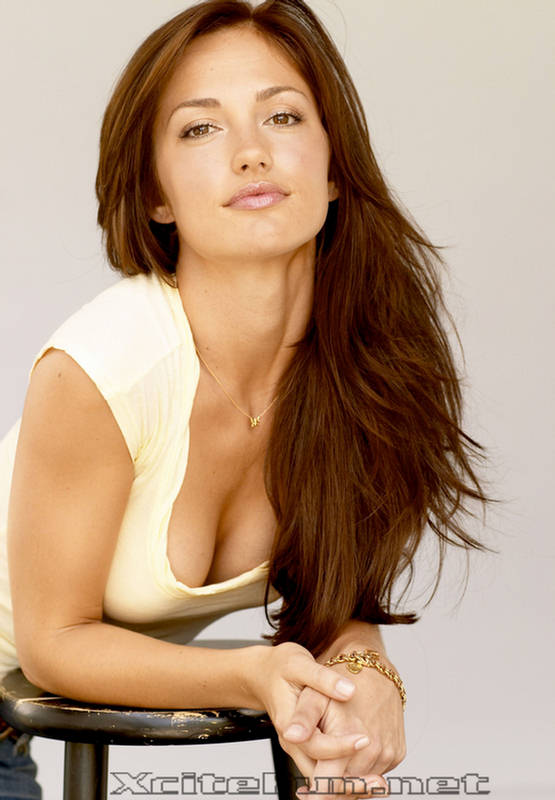 Minka Kelly Buxom Blond   Beauty Photo Shoot