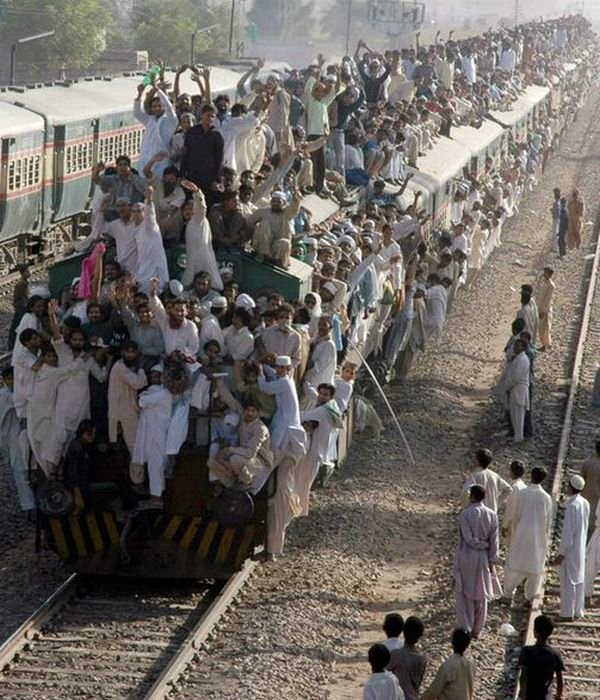 train to pakistan Train to pakistan novel by khushwant singh free download in pdftrain to pakistan novel by khushwant singh ebook read online in pdf formatvery famous novel.