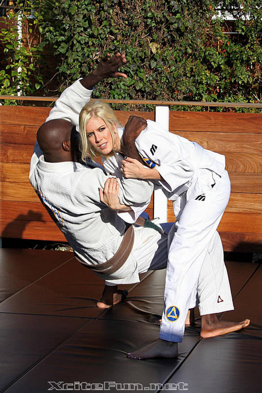 gadgets for android heidi montag mixed martial arts fighter photo shoot 21705