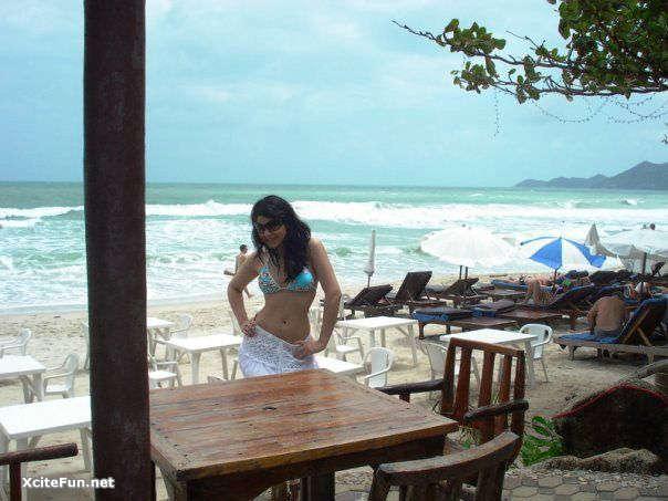 Maria Wasti amp Ayesha Omer on Vacationsons Pakistani Gir