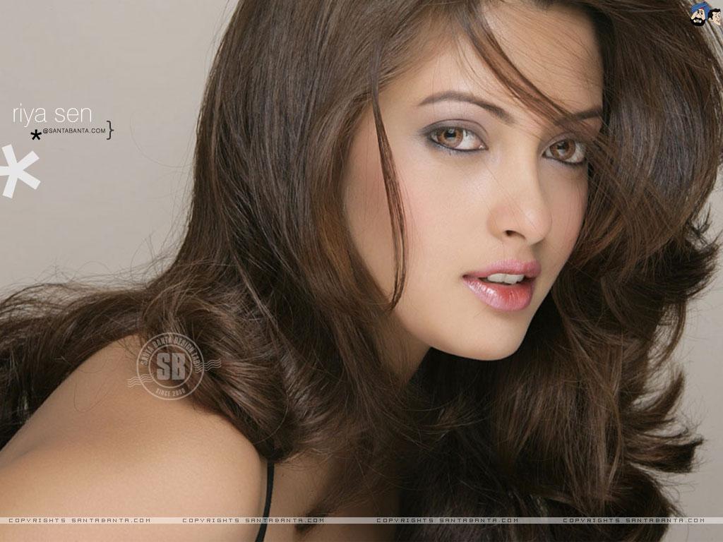 Celebrity of Riya Sen 29023,xcitefun-riy105a