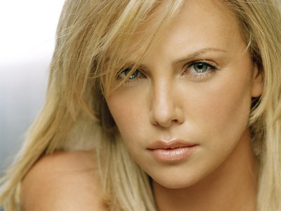 charlize theron regime poids taille
