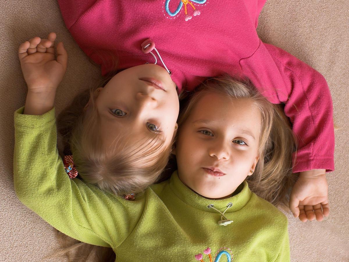 Как сделать на близнецов