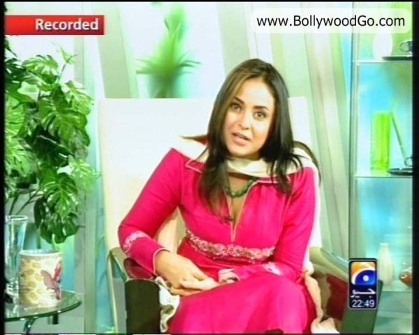 Pakistani TV Host Nadia Khan Unseen pics