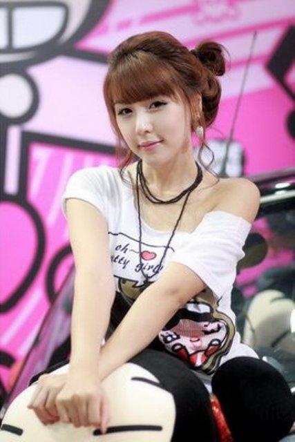 Cute Korean Race Girl Lee Ji Woo Photoshoot | Collection ...