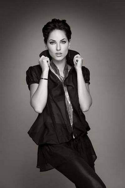 Barbara Mori Maxi Girl  Photo Gallery