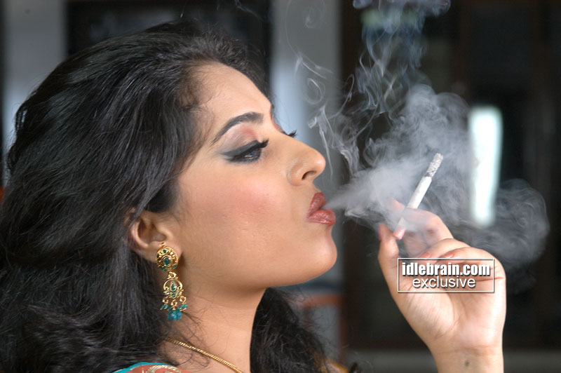 South Indian Actress Mumtaj Smoking Photoshoot