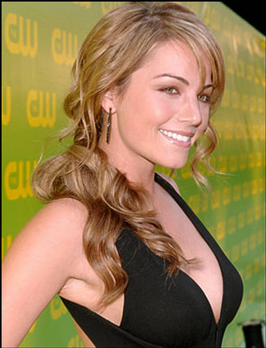 Cutting Edge Trendy Woman Hairstyles 2009. Fashion here represent some of