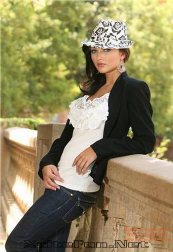 Amy Jackson: Miss Teen World 2009