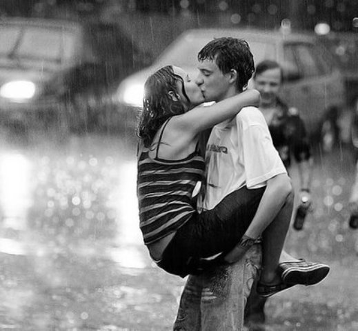 http://img.xcitefun.net/users/2009/06/80383,xcitefun-kiss-me-in-the-rain-1-6.jpg