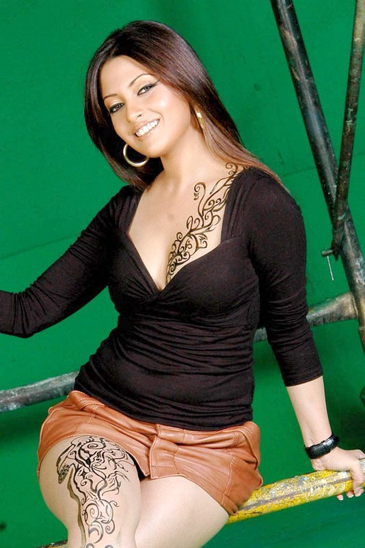 Riya Sen Gets Tatto On Her Full Body