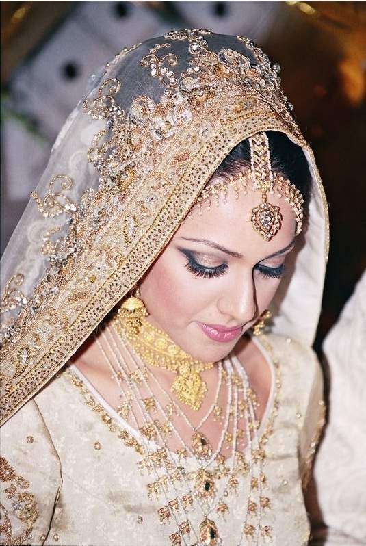 ... 30, 2009 Topic Views : 126052 Post subject: Pakistani Bridal Dresses