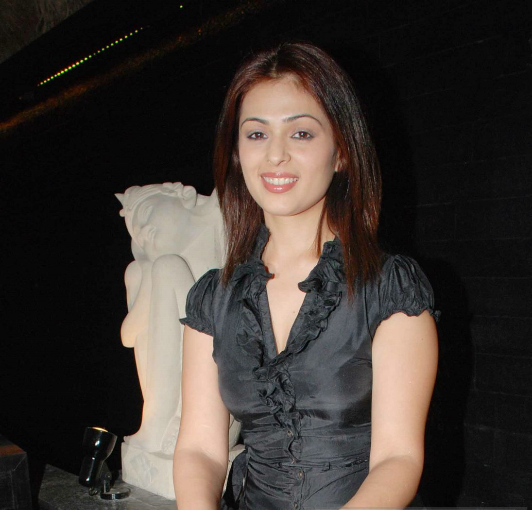 Anjana Sukhani - Images Actress