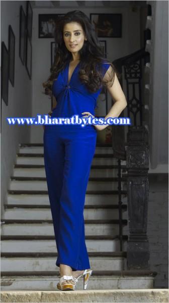 Superstar Manisha Koirala Naked Video Scenes