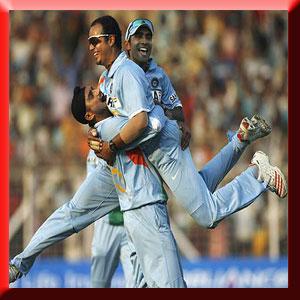 Fun on Cricket Ground.... - XciteFun.net