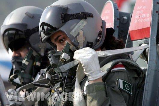 98682xcitefun military woman pakistan army 000005 - Pakistan