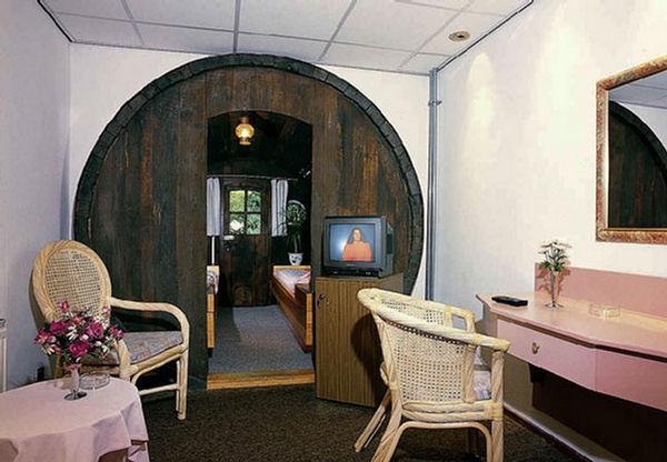 De Vrouwe Recycled Wine Barrels Hotel Netherlands