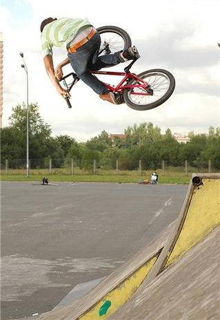 bike stunts photos. Bicycle Stunts Photography
