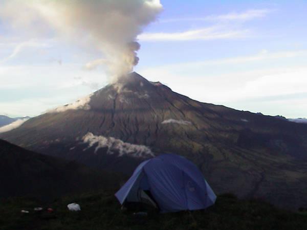 Vulkani - Page 5 110752,xcitefun-banos-ecuador-4