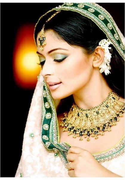 Hindistan Gelinlerinin Makyaji 2