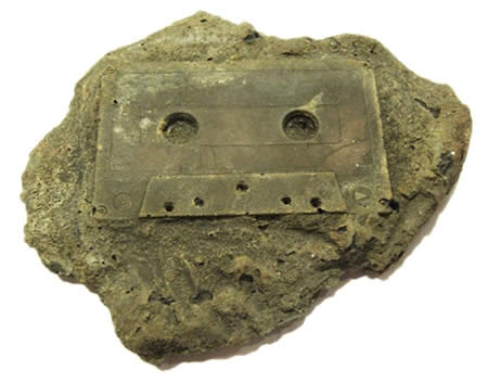 http://img.xcitefun.net/users/2009/09/113340,xcitefun-fossile-tape1.jpg