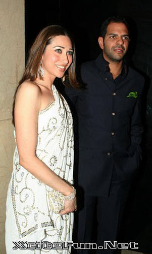 119355,xcitefun power wife karishma kapoor Bollywood Power Wives gallery bollywood pictures