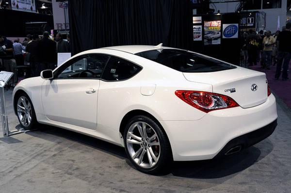http://img.xcitefun.net/users/2009/10/121639,xcitefun-hyundai-genesis-coupe-2-0t-r-04.jpg