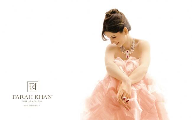 Suzan Roshan Beautiful Wife of Hrithik Roshan 124435,xcitefun-fk-screensaver07preview