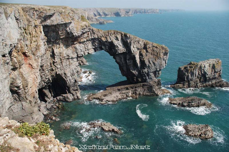 green bridge of wales - largest natural arch