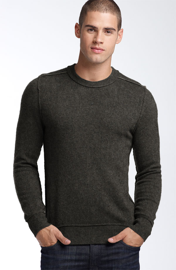 Turtleneck sweaters can be intimidating, but if badass men like agent and Shaft can rock the stylish top and look masculine, you can too! Whether you rock it with casual jeans or layer it under a tailored blazer, stylish knit adds effortless style to any winter look (just ask Drake, Kanye, and Nick Jonas, who've all rocked the high-neck look).