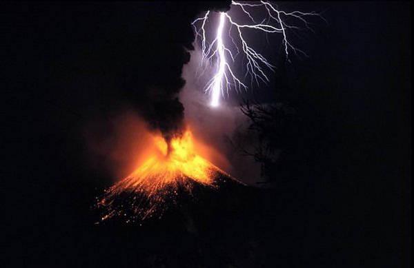 Vulkani - Page 3 143956,xcitefun-volcanolight-4