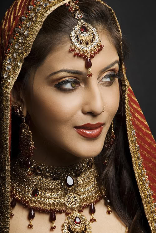 Bridal Makeup Photography : Bridal Makeup Designs Photos Images Pictures Pics: Bridal ...